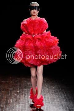 Alexander McQueen Fall 2012: Paris Fashion Week