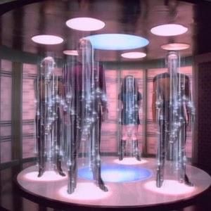 """""""Star Trek"""" tinha teletransportadores dentro das naves. Uma das frases mais conhecidas do Capitão Kirk é justamente o comando do teletransporte: 'Leve-me para cima, Scotty'"""