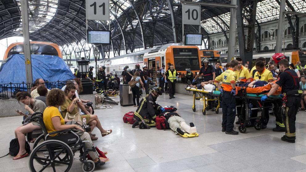 Numerosos heridos en el choque de un Rodalies en la estación de França