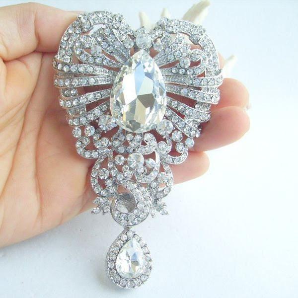 Vintage Style Wedding Brooch, Stunning Rhinestone Crystal Heart Bridal Brooch, Wedding Bouquet, Wedding Deco, Crystal Sash Brooch BP05037C7a