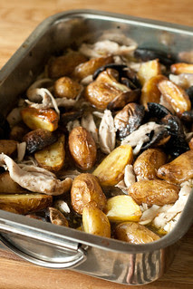 Kana kartulite, seente ja õllega / Chicken with potatoes, mushrooms and beer