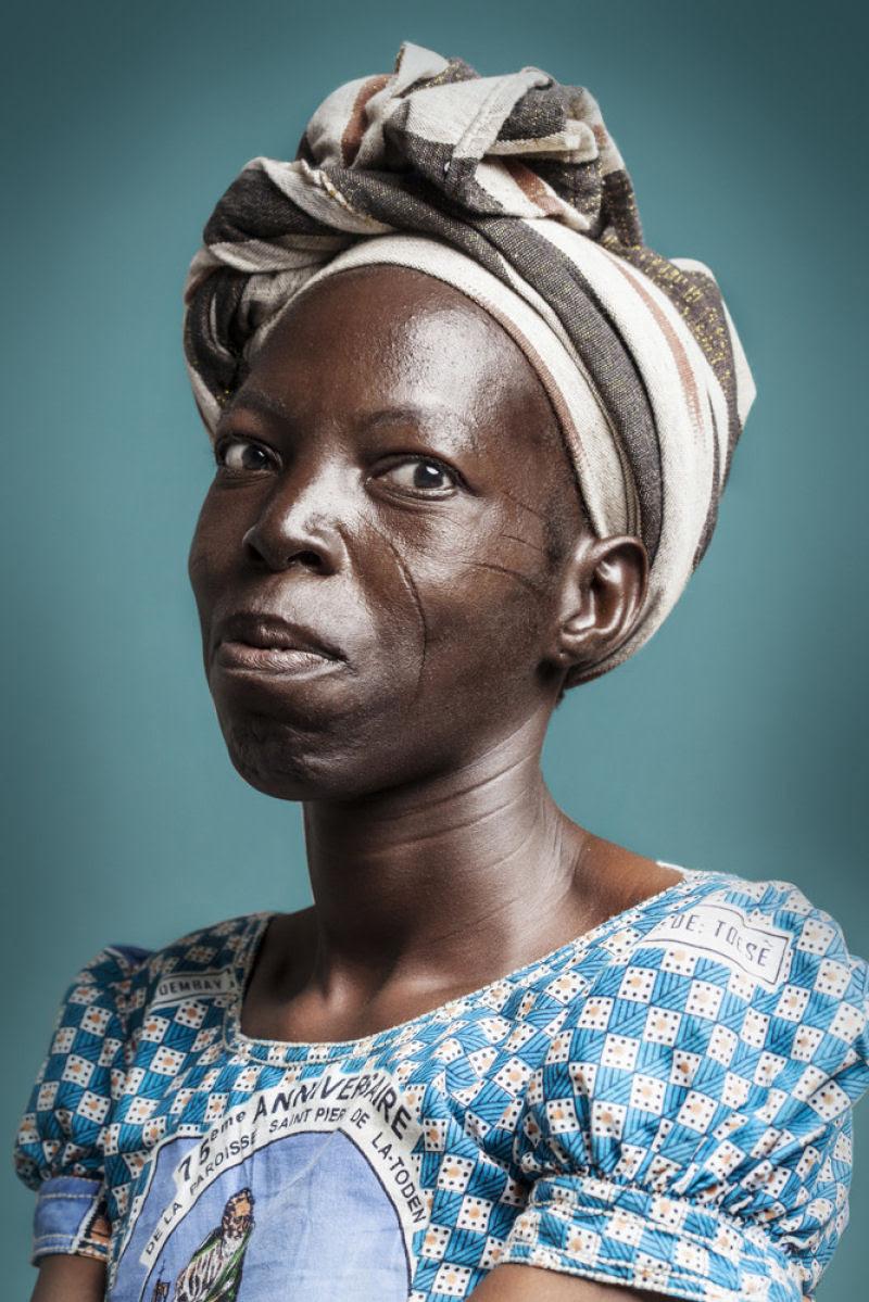 Esta é a última geração de escarificados na África 10