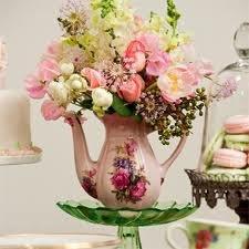 Arranjos de Flores para Mesa no Bule