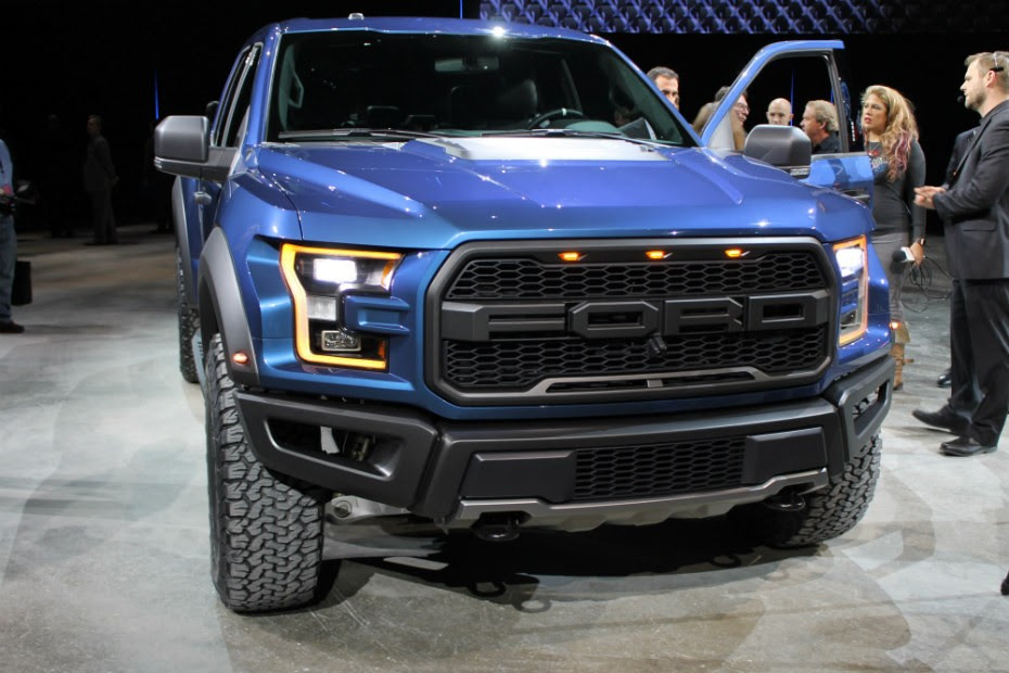 Ford Truck Raptor Wallpaper 2017 Ford f 150 Raptor Video Reviewed by ...