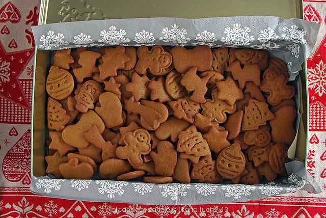 Gingerbread rye cookies