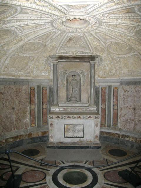 File:Tempietto San Pierto interior.jpg