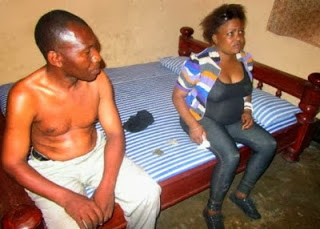 Married-Woman-with-pregnancy-caught-with-men-