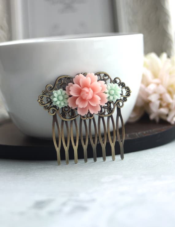 A Soft Pink Flower, Mint Green Mum Collage Hair Comb. Bridal Comb. Bridesmaids Gift. Mint Wedding Comb. Vintage Style Collage Hair Comb.