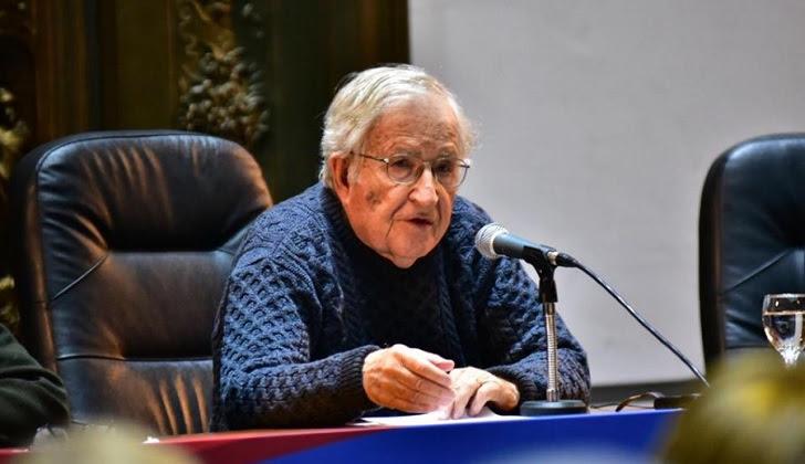 """Noam Chomsky: """"La prisión de Lula es injusta y una venganza de las clases dominantes"""". Foto: Frente Amplio"""