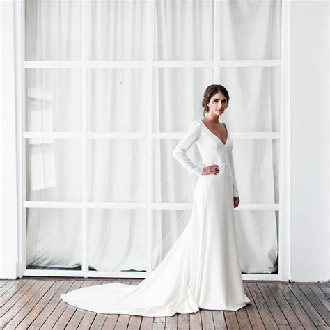 Simple Wedding Dresses for Modern Brides   hitched.co.uk