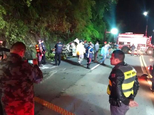 Ao menos 10 pessoas morreram em acidente na Mogi-Bertioga (Foto: Jamile Santana / G1)