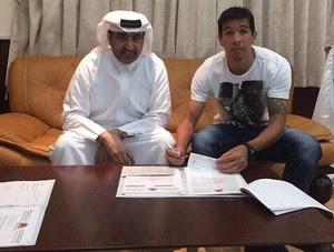 Cáceres assina contrato com o Al Rayyan (Foto: Reprodução)