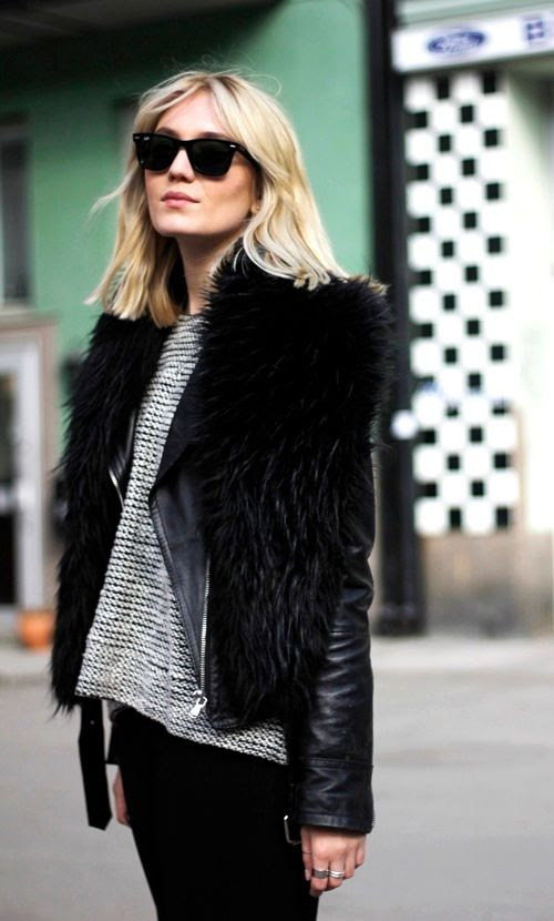 Le Fashion Blog -- Josefin Dahlberg Swedish Blogger Fur Scarf Leather Jacket Black White Sweater -- photo Le-Fashion-Blog-Josefin-Dahlberg-Swedish-Blogger-Fur-Scarf-Leather-Jacket-Black-White-Sweater.jpg