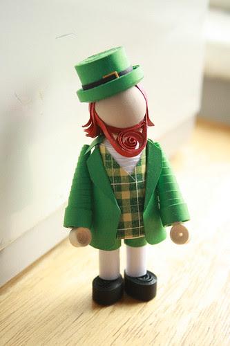 leprechaun minifolk quilled figurine