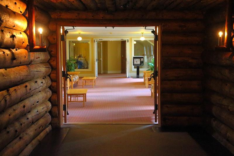 IMG_6129 Old Faithful Inn: Old House Meets Extension