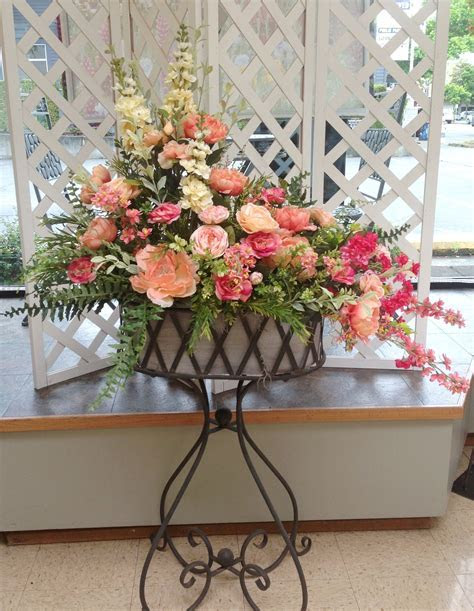 Large artificial silk flower arrangement, in pink, peach