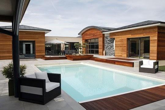 Brise vue bois autour de la piscine 10 piscines aux for Bordure per piscine