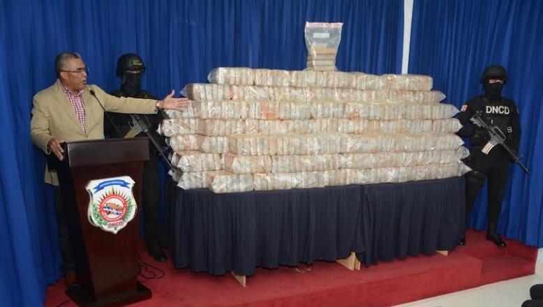 DNCD decomisa 748 paquetes cocaína y US$964,335 dólares en SD