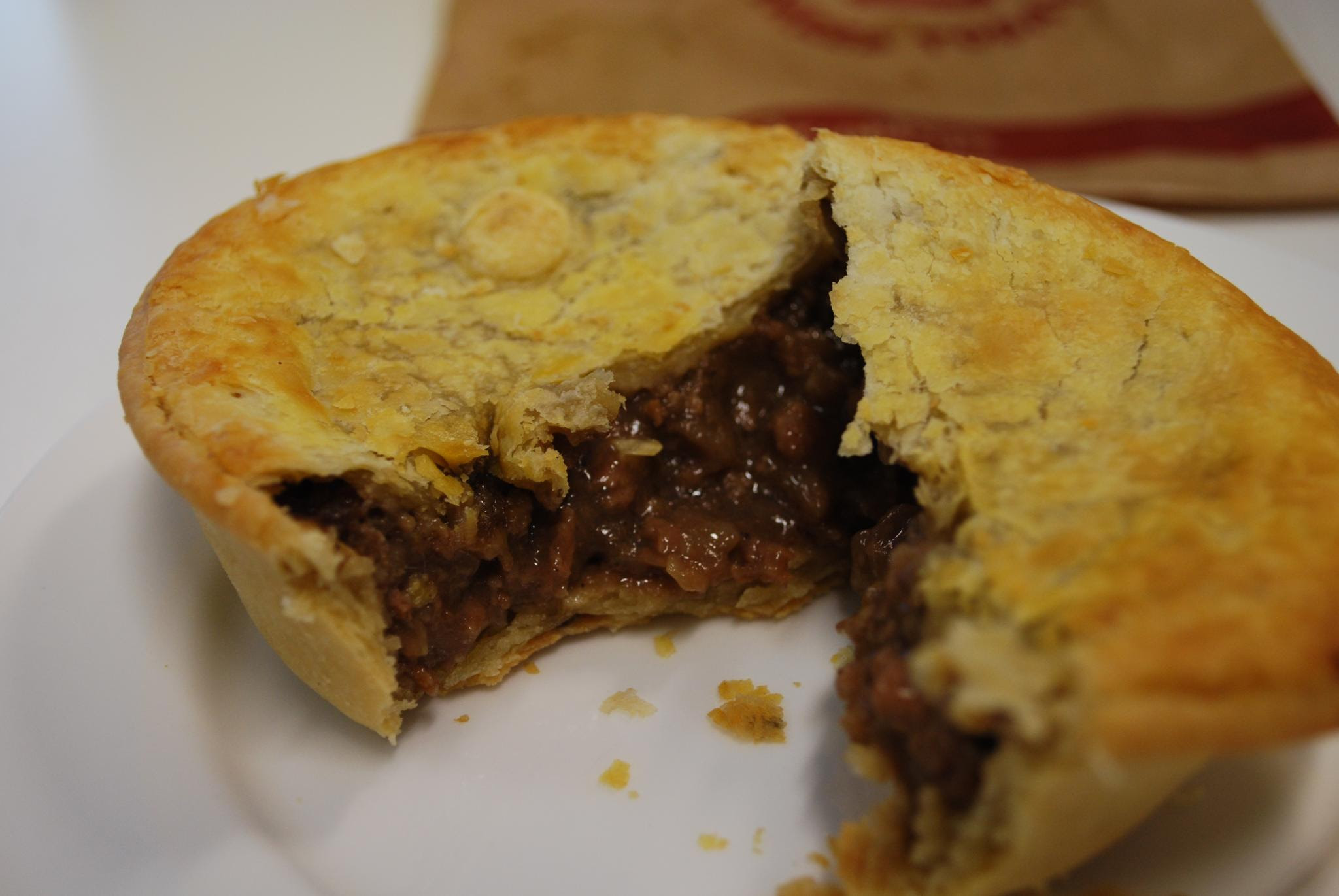 File:Steak and onion pie.jpg - Wikipedia