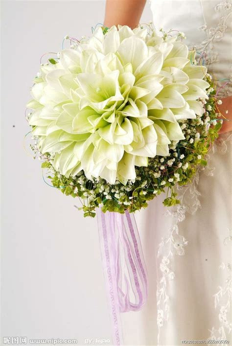 How Much Does A Bridal Bouquet Cost?   First Come Flowers
