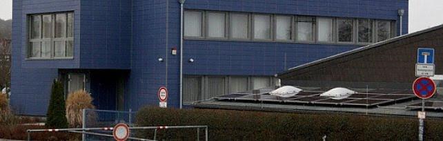 """Ex Philips, gli operai occupano la fabbrica: """"L'azienda vuole portare via le macchine"""""""