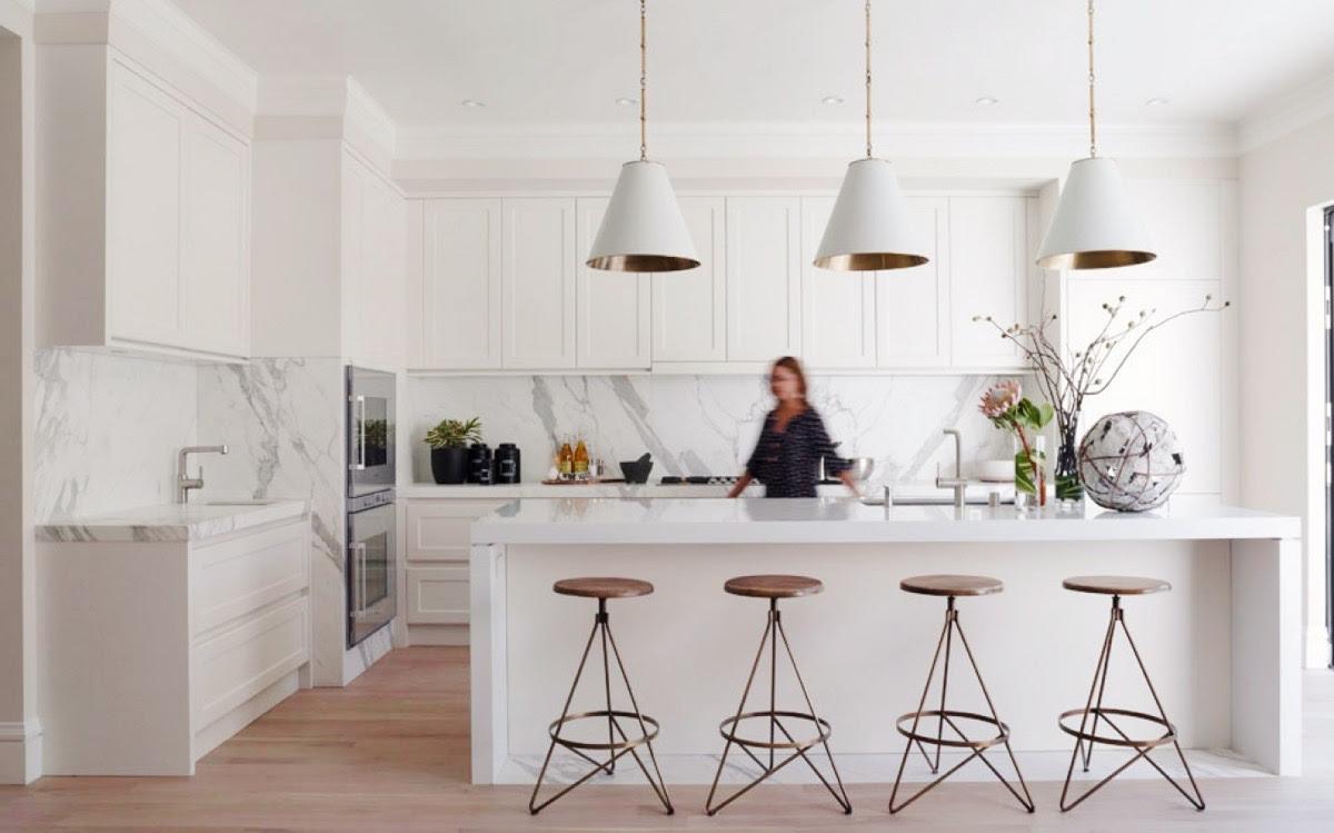 30 Modern White Kitchens That Exemplify Refinement