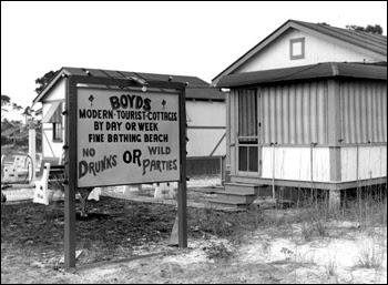 Boyds Modern Tourist Cottages: Pensacola, Florida (1941)