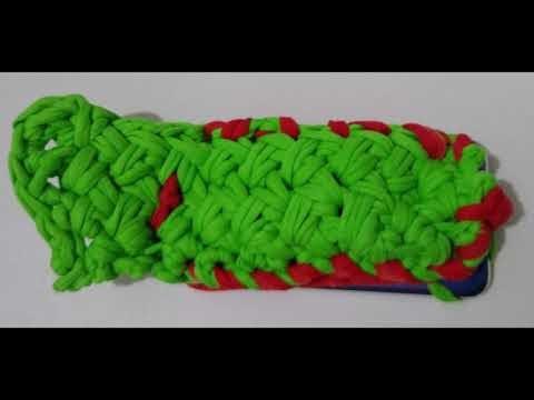 capa para celular, confeccionada em crochê, com fio de malha