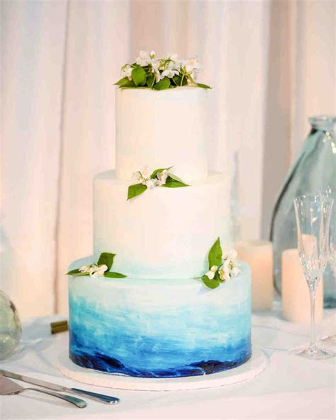 The Prettiest Ombré Wedding Cakes for Couples Who Love