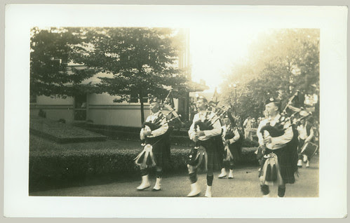 Pipers piping parade