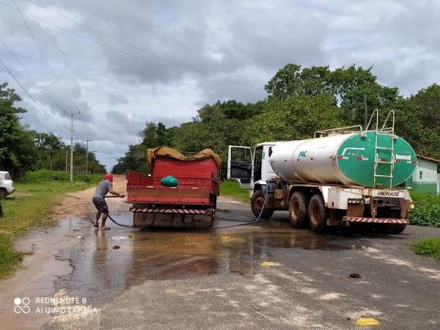 Prefeitura sanitiza cargas antes de entrarem em São João do Arraial