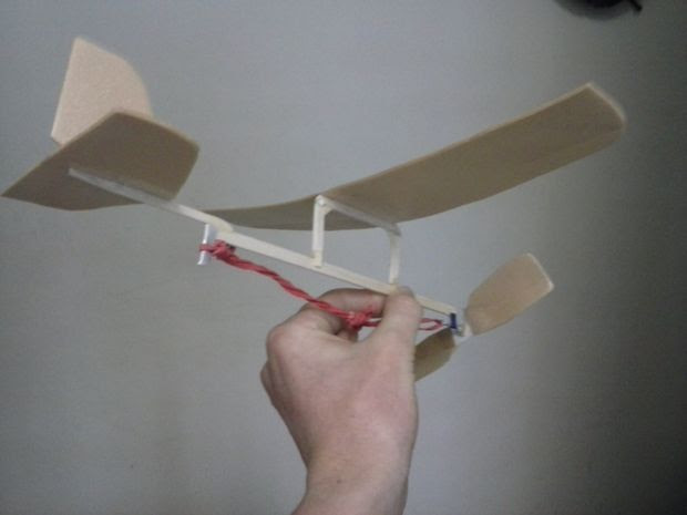 Rubber band powered plane | Cardboard Play | Pinterest