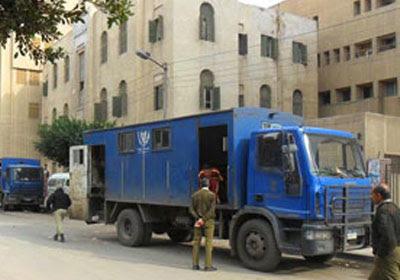 http://shorouknews.com/uploadedimages/Sections/Egypt/Eg-Politics/original/Car-deportations-1596.jpg