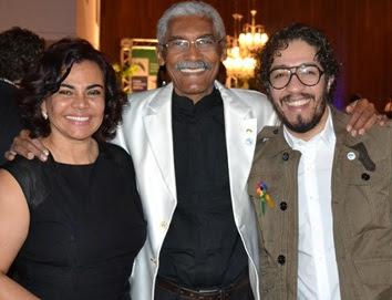 Dutra com a esposa e o deputado federal Jean.