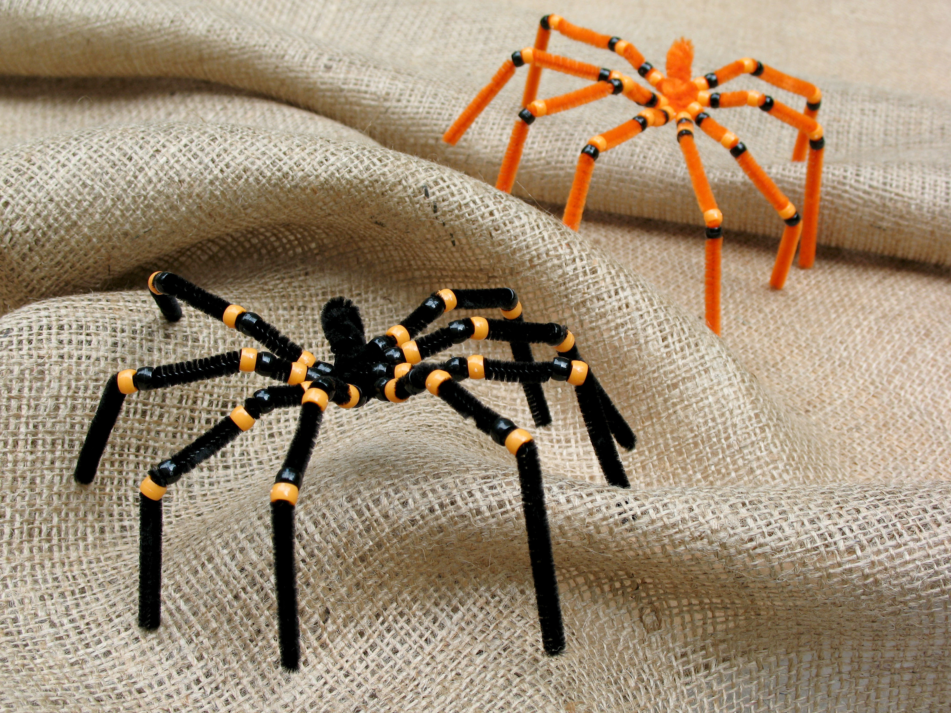 here is an easy halloween spider craft made from pipe cleaners theyre kind of spooky and creepy great decorations for your next halloween party