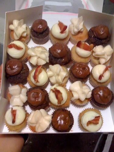 Kumquat Cupcakery cupcakes