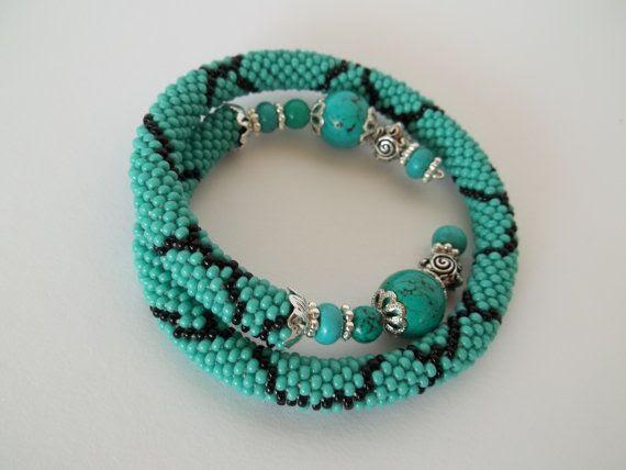 Turquoise bead crochet bracelet. Turquoise silver memory wire bracelet.