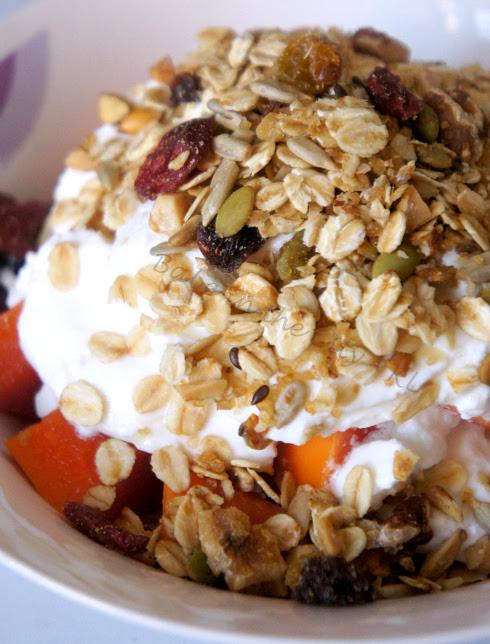 Homemade Granola V2.0 - with yoghurt