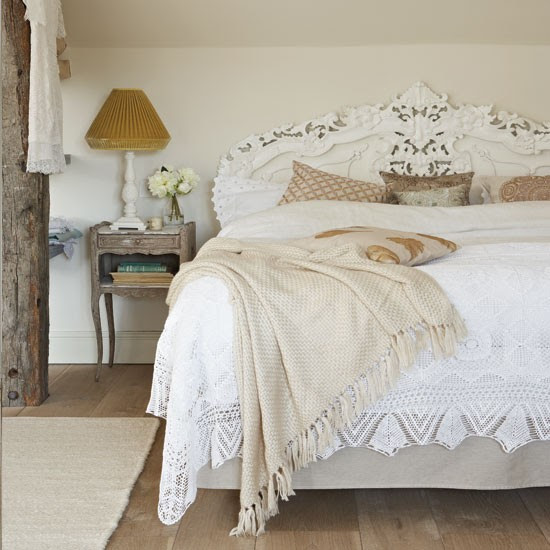 Neutral French-style bedroom | Bedroom decorating ideas | Bedroom | Country Homes & Interiors | IMAGE | Housetohome.co.uk