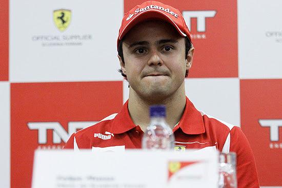 Felipe Massa dá entrevista em hotel em São Paulo