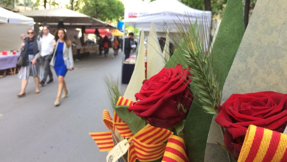 Así se vive Sant Jordi en Barcelona