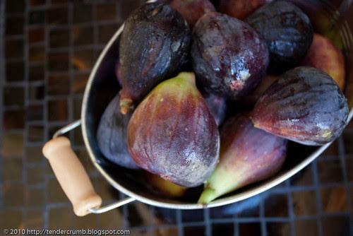 fresh fig muffins-1