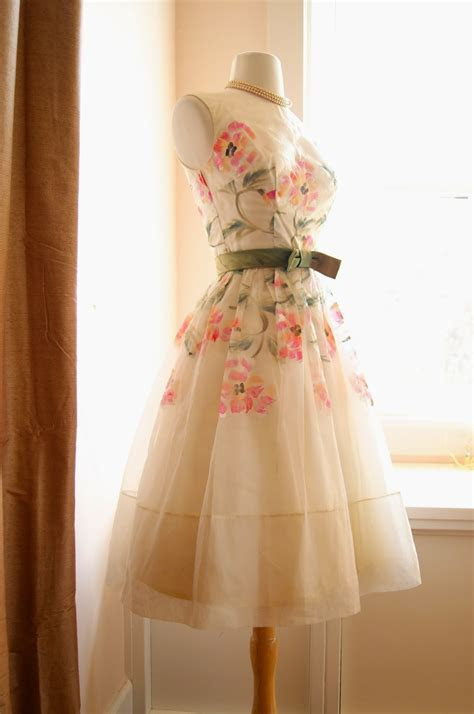 Stunning 1950's Natlynn party dress with pockets and
