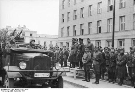 parada comuna sovieto-nazista-1