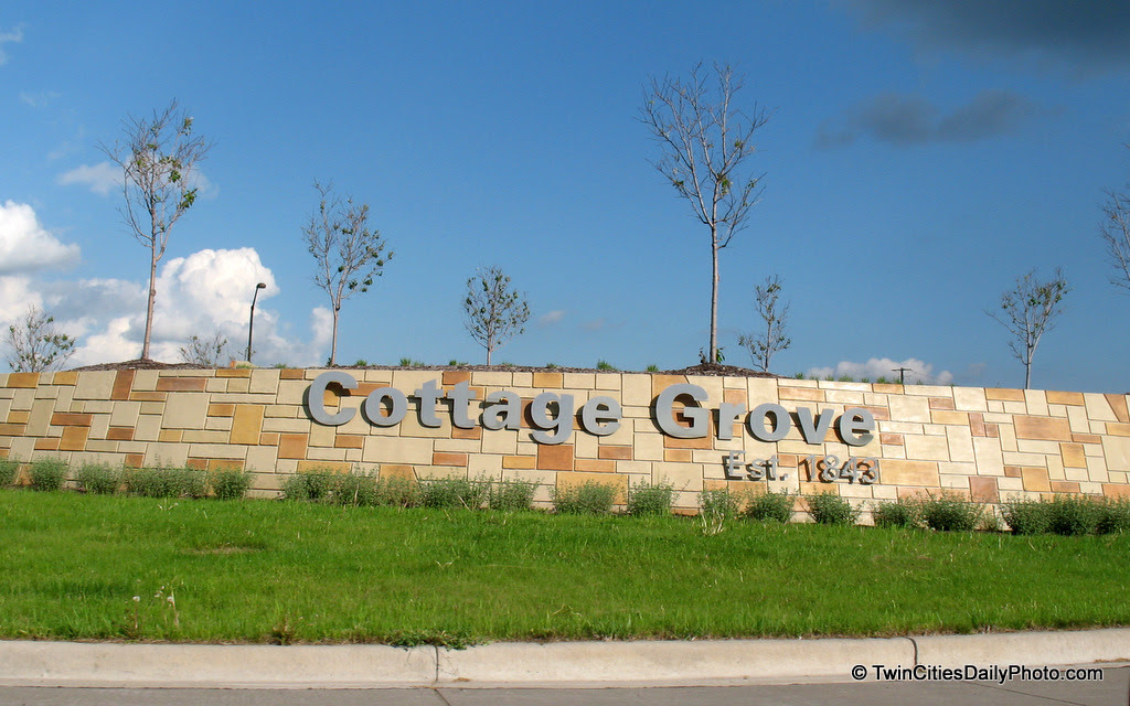 To find this Cottage Grove greeting, take the Jamaica Avenue Exit off of Highway 61. This is the centerpiece of the roundabout that awaits you.