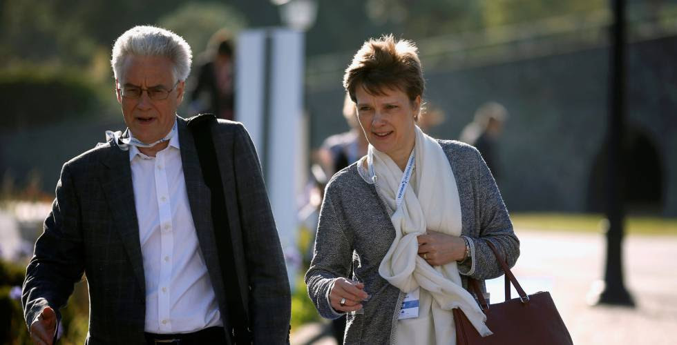 Adair Turner, del Institute for New Economic, y la vicepresidenta del Bundesbank, Claudia Buch