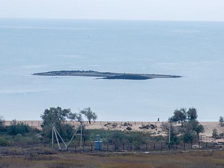 Erutta un vulcano di fango vicino Golubitskaya e nasce un'isola nel Mar d'Azov. FOTO e VIDEO