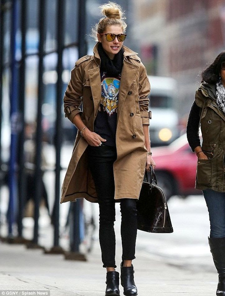 7 Le Fashion Blog 13 Ways To Style A Vintage Tee Jessica Hart Trench Coat Mirrored Sunglasses Jeans Boots photo 7-Le-Fashion-Blog-13-Ways-To-Style-A-Vintage-Tee-Jessica-Hart-Trench-Coat-Mirrored-Sunglasses-Jeans-Boots.jpg
