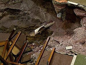 Tubulação de cano quebrada na área do incidente (Foto: Reprodução/TVAM)