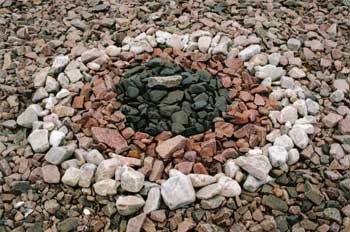 Vackra stenar på stranden i Skäret